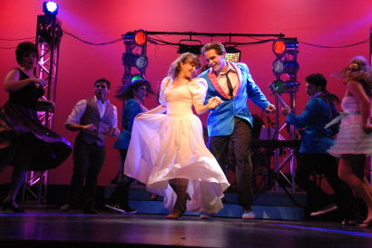 Spoiler Alert Courtney Poston And Clay Cartland Get Together At The End Of Slow Burn Theatre Companys Wedding Singer Photos By Gemma Branham