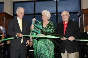 Benefactor Roe Green cuts ribbon on Maltz Jupiter Theatre's expansion