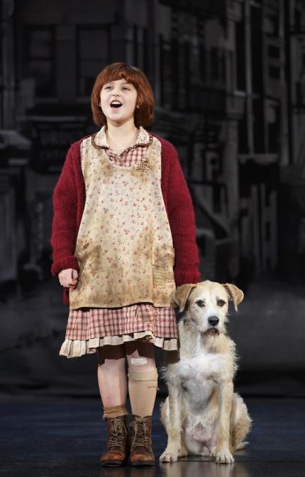 Broadway Tour Of Annie Amanda