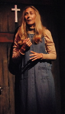 Shelley Keelor as motherly Margaret