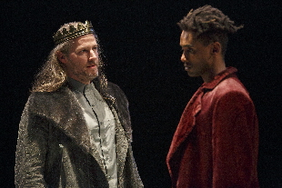 Graham Abbey (left) as King Henry IV and Araya Mengesha as Prince Hal in Breath of Kings: Rebellion. Photography by David Hou.